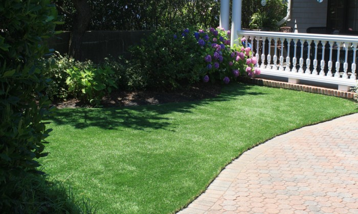 Synthetic Grass for Landscape Lawns and Residential Properties